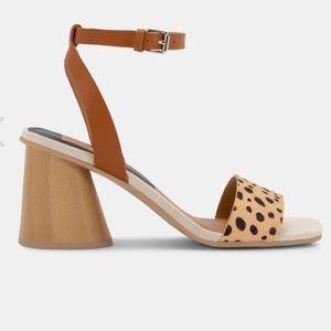 Dolce Vita Hazel Leopard Multi Sandal sz 8